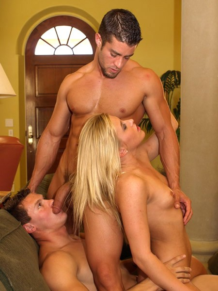 threesome club sex bisexual