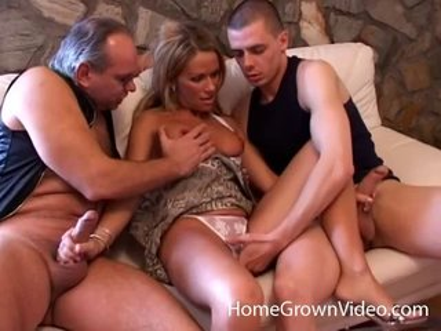 wants wife threesome horny